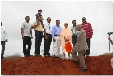 HDH Acharya swamishree and devotees take a tour at the mine