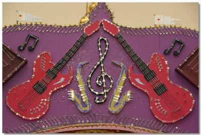 A closer look at the guitars decorated with keys.