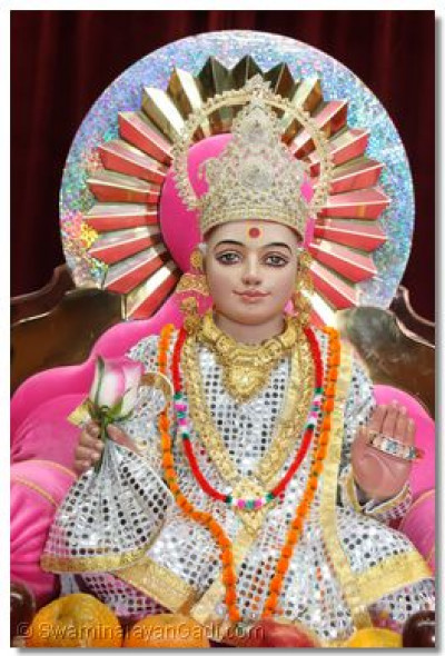 Divine darshan of Shree Ghanshyam Maharaj on Pavitra Ekadashi.