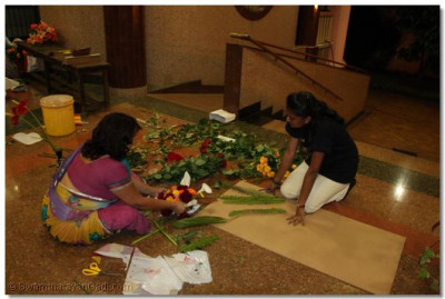 Preparations for the arrival of Acharya Swamishree