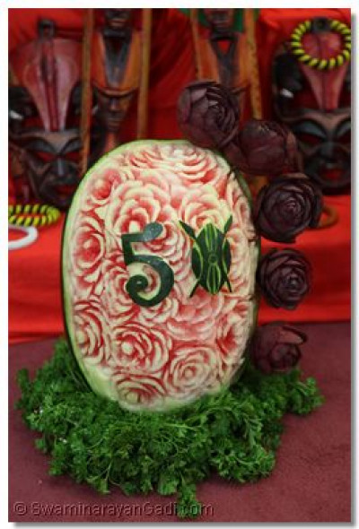 Fruit carving of 50.