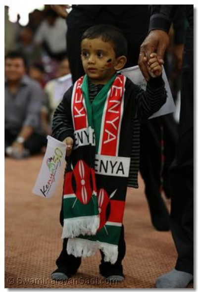 A young devotee shows his patriotism.