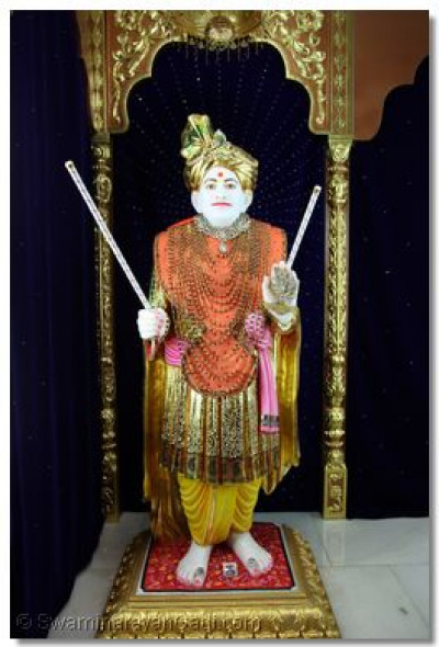 Divine darshan of Jeevanpran Shree Abji Bapashree.