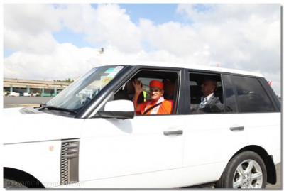 Acharya Swamishree arrives in Nairobi