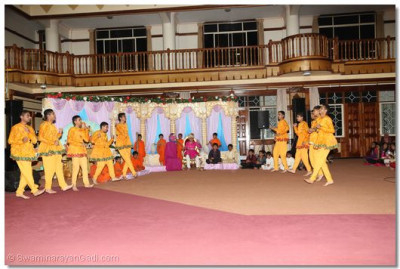 Young devotees performing to please Lord Swaminarayanbapa Swamibapa