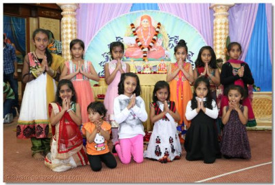Young devotees who took part in the presentations