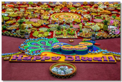 An intricate peacock cake portraying how colourful this festival actually is