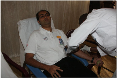 A donor getting ready to give blood