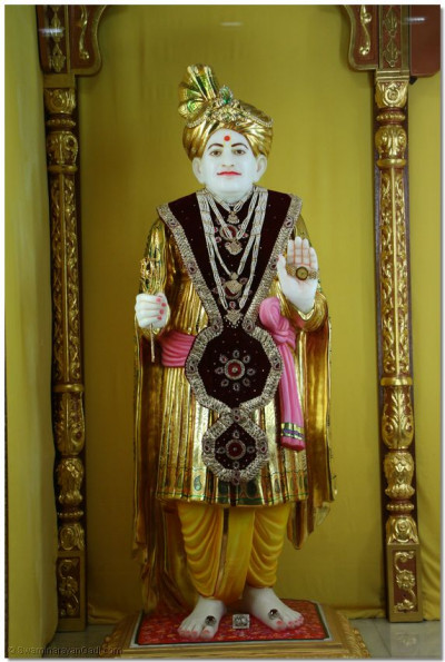 Divine darshan of Jeevanpran Abji Bapashree