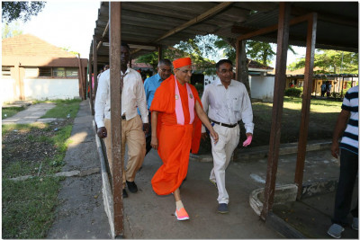 Acharya Swamishree's visit in the school