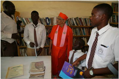 Visit to the library at the handicapped school