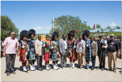 The Band Majors take a photo with the Government representatives of the Narok County