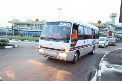 Sant mandal and haribhaktos depart from airport<br>