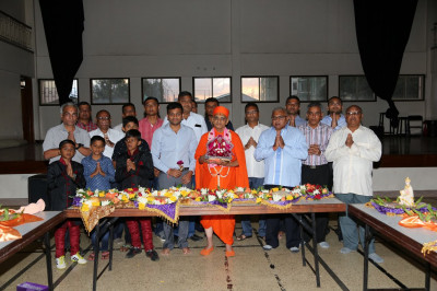 A group photo of the sponsors with Acharya Swamishree