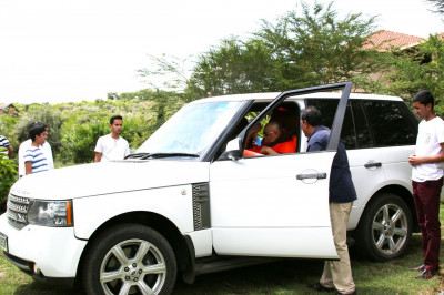 Arrival of Acharya Swamishree at The Great Rift Valley Lodge and Resort