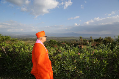 Acharya Swamishree admires the beautiful nature at Naivasha