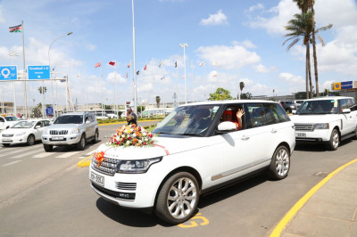 Acharya Swamishree leaves the airport