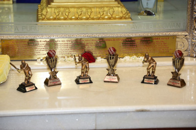Trophies to be presented to the cricketers