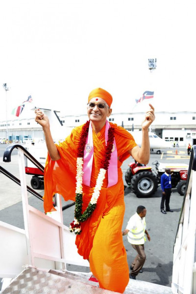 Acharya Swamsihree boards on flight to Moi International Airport, Mombasa
