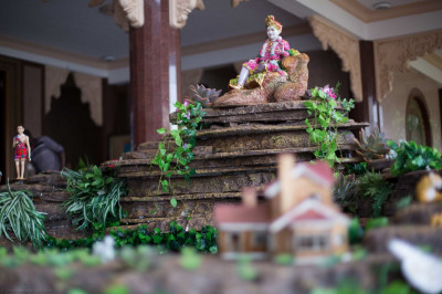 A handcrafted waterfall fountain display to welcome His Divine Holiness  Acharya Swamishree and Sant Mandal