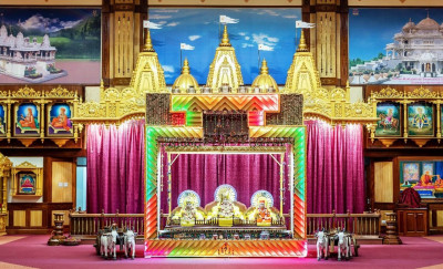 Divine darshan of Lord Shree Swaminarayanbapa Swamibapa on a Rajasthani themed hindolo