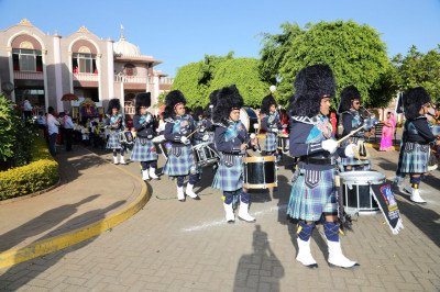 Shree Muktajeevan Swamibapa Pipeband perform for Saahi Swagat Samaiyo