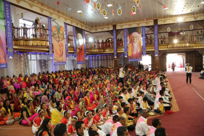 All present for Acharya Swamishree's 75th birthday celebrations