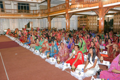 Devotees present for the Sadbhav Amrut Parva Mahapooja