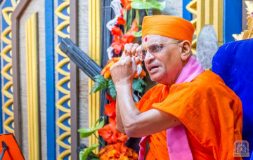 Acharya Swamishree Maharaj Ashirwad - Nairobi 26th Dec 2017