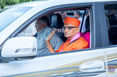 H.D.H Acharya Swamishree leaves for the airport