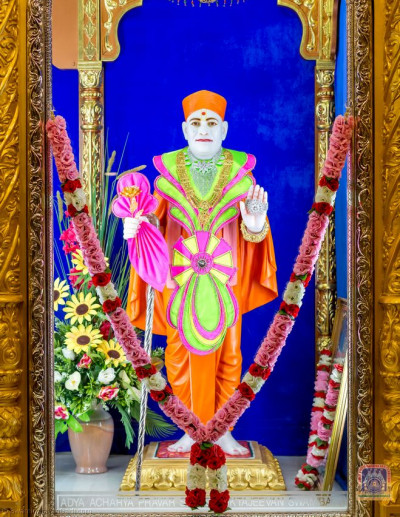 Divine Darshan of Shree Jeevanpran Shree Muktajeevan Swamibapa