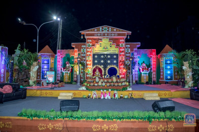 A beautifully decorated traditional themed decoration
