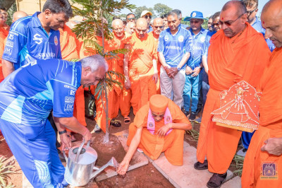 Tree planting done in the presence of H.D.H Acharya Swamishree