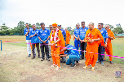 H.D.H Acharya Swamishree inaugrates the cricket pitch