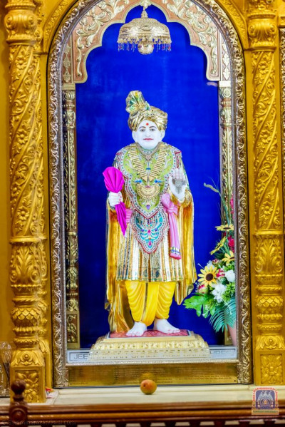 Divine darshan of Jeevanpran Shree Abji Bapa
