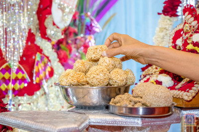 Ladoos made out of sesame seeds offered to the Lord