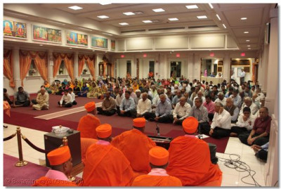 Hundreds of disciples had gathered for the sabha