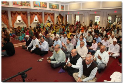 Devotees participate in the utsav to celebrate the birthday of Lord Swaminarayan