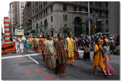 Many donned fancy Indian attire to elegantly represent India in the parade