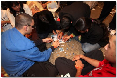 Disciples work together rigorously to finish a puzzle