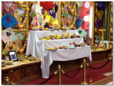 Many disciples brought various items to serve Lord Swaminarayanbapa Swamibapa