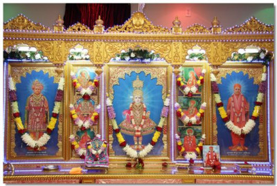 Divine darshan of Lord Swaminarayanbapa Swamibapa in the Ocala, Florida temple