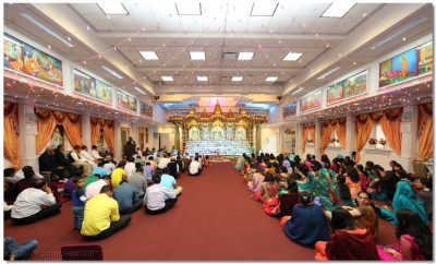 Hundreds of disciples attended the Diwali annkut to receive blessings on the commencement of a new year
