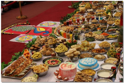 Various drinks and foods are offered to Lord Swaminarayanbapa Swamibapa