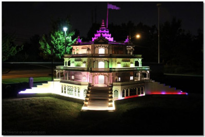 Smurti Mandir model at Shree Swaminarayan Temple – Secaucus, New Jersey, lit up in LED lights the night of the samuh raas