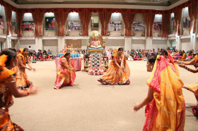Disciples perform a devotional dance to start off the evening�s dancing