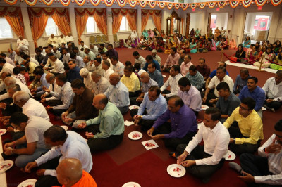 Disciples participate in the 13th patotsav ceremony
