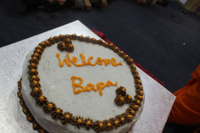 A welcome cake to celebrate Acharya Swamishree's arrival to Canada