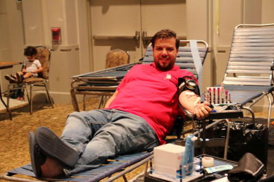 A member of the local Secaucus community donates blood at the Shree Swaminarayan Mandir New Jersey blood drive