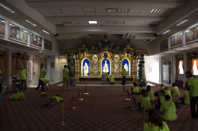 Volunteers return to the Temple after volunteering for Lord Swaminarayan's divine darshan